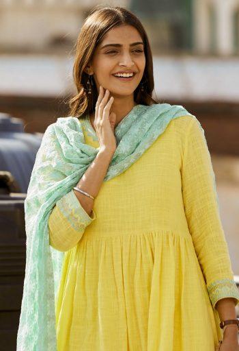 Ek Ladki Ko Dekha Toh Aisa Laga box office day 3: Sonam Kapoor, Anil Kapoor's film shows growth, makes Rs 13 cr
